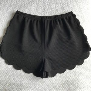Pants - NWT scalloped shorts with elastic waistband